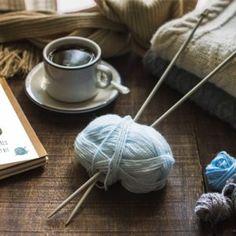 PŘÍZE - Přírodní příze Coffee Set, Coffee Cups, 24 Hour Cafe, Coffee Shop Logo, Pink Backdrop, Pink Desk, Knitting Supplies, Background Vintage, Store Design