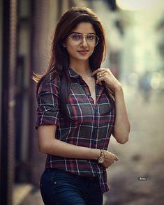 Beautiful Girl In India, Beautiful Blonde Girl, Beautiful Women Pictures, Beautiful Girl Photo, Most Beautiful Indian Actress, Dehati Girl Photo, Girl Photo Poses, Girl Photography Poses, Girl Photos