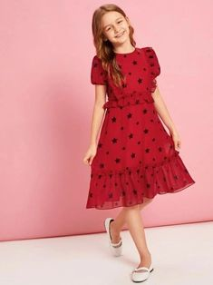 To find out about the Girls Puff Sleeve Star Print Frilled Dress at SHEIN, part of our latest Girls Dresses ready to shop online today! Frocks For Girls, Dresses Kids Girl, Cute Dresses, Girl Outfits, Girls Fashion Clothes, Girl Fashion, Fashion Dresses, Fashion Styles, Houndstooth Dress