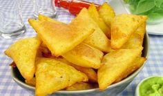 Guia da Cozinha / Alto Astral Tortillas, Sour Cream, Comida Latina, Snack Recipes, Snacks, Cantaloupe, Chips, Fruit, Food