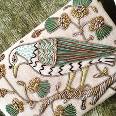 Antique gold work. Embroidery. Adorable Невероятно красивая старинная работа , шитье золотом.  #золотноешитье #стариннаяработа#антиквариат#птица#птицасчастья#goldwork #happybird#amazing #beautiful #instagoldwork #embroidery #