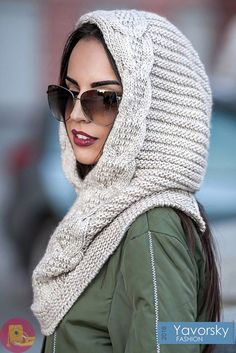 This Pin was discovered by Oly Loom Knitting, Knitting Stitches, Knitting Patterns, Crochet Patterns, Knit Cowl, Knit Crochet, Crochet Hats, Hooded Scarf, Crochet Accessories
