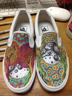 Beautiful! I've wanted to design something to draw on some white vans for a long time, now
