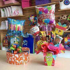 Regala alegría, regala #Joliandgift ✨ Feliz Viernes! Christmas Birthday, Happy Birthday, Balloon Box, Diy Y Manualidades, Candy Bouquet, Gift Bags, Diy Gifts, Diy And Crafts, Balloons