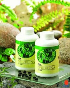 Kezdjük a basic kérdéssel: Mi az a spirulina? A spirulina egy kék-zöld alga… Green Algae, Rich In Protein, Beta Carotene, Alkaline Foods, Essential Fatty Acids, Keto Diet For Beginners, Herbal Medicine, Superfoods, Herbalism