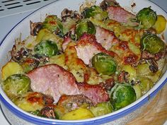 Cassel Brussels sprouts casserole- Kasseler-Rosenkohl-Auflauf Kasseler – Brussels sprouts – casserole, a great recipe from the pig category. Vegetable Stew, Vegetable Recipes, Casserole Dishes, Casserole Recipes, Pork Recipes, Cooking Recipes, Cabbage Stew, Tasty, Yummy Food