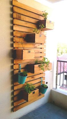 14 Cozy Balcony Ideas and Decor Inspiration Easy House Plants, House Plants Decor, Plant Decor, Diy Herb Garden, Home And Garden, Garden Pallet, Garden Ideas, Balcony Design, Garden Design