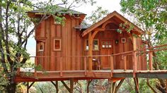 "1 | Your Childhood Dream Home: The Extreme Treehouses Of ""Treehouse Masters"" 