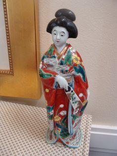 SAVE 25.00 NOW      Vintage Japanese Imari Woman Figurine