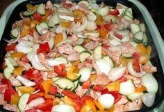 Pulykafalatok színes zöldséggel Cobb Salad, Salsa, Mexican, Hot, Ethnic Recipes, Salsa Music, Mexicans
