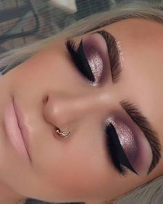 I live for rose gold and mauve colors. soft brown pomade pro brow palette… rose gold eye make up, Mauve Makeup, Glam Makeup, Bridal Makeup, Eyeshadow Makeup, Wedding Makeup, Drugstore Makeup, Rose Gold Eyeshadow, Hair Makeup, Makeup Inspo