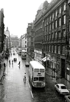 Stockwell Street in the looking South from the platforms of St. Gorbals Glasgow, Glasgow Architecture, Argyle Street, Glasgow City, Uk History, Victorian London, Glasgow Scotland, Old Street, Future City