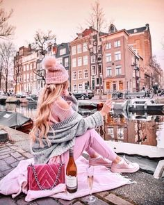 ✨ MISSING SUMMER ✨ Guys, I'm so not a big fan of winter, I literally don't know what to do else than work, shop, work out and watch netflix… Cute Disney Pictures, Girly Pictures, Cute Pics For Dp, Cute Photography, Paris Photography, Cute Girl Pic, Cute Girls, Tres Belle Photo, Shotting Photo