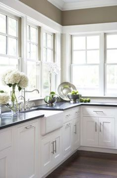 5 Beautiful Kitchen Benchtops which are Virtually Maintenance Free