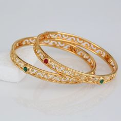 Looking to buy Indian Inspired designs of Jewelries ranging necklace earring and bangles from India, We are the perfect online destination. Gold Plated Bangles, Silver Bangle Bracelets, Diamond Bracelets, Gold Bangles Design, Jewelry Design, Metal Jewelry, Jewelry Sets, Gold Jewelry, Jewelry Stand
