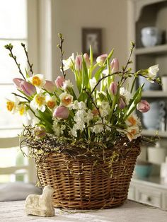 Pretty and Simple Easter Fresh Window Decoration Ideas