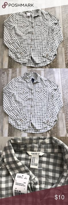 Gray Gingham Button down NWT Forever 21 Tops Button Down Shirts