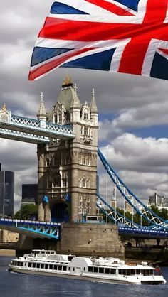 [Image Source] Tower Bridge is a combined bascule and suspension bridge in London, over the River Thames. It is close to the Tower of London, from which it takes its name. It has become an iconic symbol of London. Oh The Places You'll Go, Places To Travel, Places To Visit, Tower Bridge London, Voyage Europe, England And Scotland, British Isles, Great Britain, Travel Around The World