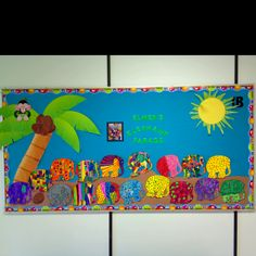 Elmer the elephant art project. I especially like this activity with Elmer… Elephant Theme, Elephant Art, School Displays, Classroom Displays, Elmer The Elephants, Kindergarten Art Lessons, Preschool Books, Children's Literature, Art Plastique