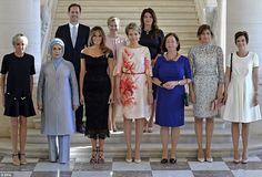 Mientras el mundo entero se hace eco de lo significativa que resulta la fotografía de las Primeras Damas de la minicumbre de la OTAN en la que se cuela por primera vez un hombre, el esposo del Primer Ministro de Luxemburgo, la Casa Blanca omite identificarlo en lo que califica como una «equivocación», que ya ha rectificado.