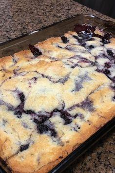 Best in Show Blackberry Cobbler Recipe - Dessert Recipes Blackberry Dessert, Blackberry Recipes, Easy Blackberry Cobbler, Fruit Recipes, Baking Recipes, Dessert Recipes, Cheesecake Desserts, Köstliche Desserts, Delicious Desserts