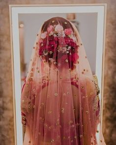 Ideas Indian Bridal Hairstyles With Dupatta Wedding Beautiful Indian Bridal Hairstyles, Indian Bridal Outfits, Indian Dresses, Bridal Dresses, Wedding Hairstyles, Trendy Hairstyles, Indian Bridal Makeup, Bridal Dupatta, Indian Bridal Lehenga