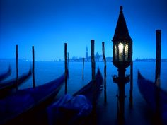 Haunted Venice http://thingstodo.viator.com/venice/haunted-venice/