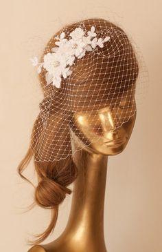 Braut Spitze Haarband mit Schleier, Weiß von Ancora Boutique auf DaWanda.com