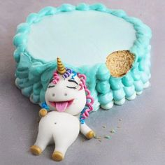 Fat Unicorn Cake - Yay or Nay?✨ #Regram via @naturally.jo Super cute unicorn cake, unicorn birthday party, #unicorncake #unicornbirthday