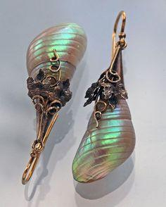 VICTORIAN Drop Earrings Gold Shell British, c.1880