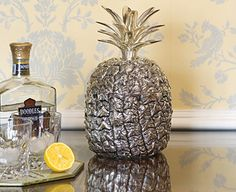 For my pineapple obsession....would love to have this ice bucket!