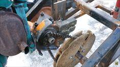 mini traktor , trójkołowiec z silnika od piły spalinowej , łuparka oraz koparka .