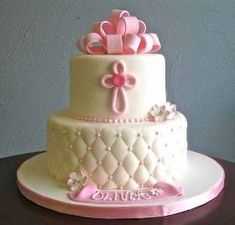 great cake for after baptism but in blue for cj Fondant Cakes, Cupcake Cakes, Christening Cake Girls, Christening Cakes, Girl Baptism, Bolo Fack, Religious Cakes, Confirmation Cakes, First Communion Cakes