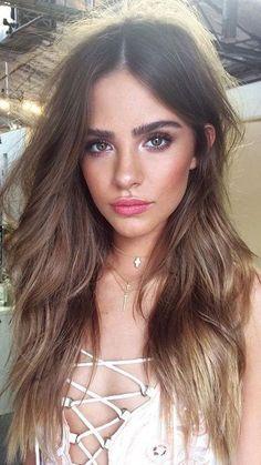 pretty natural makeup. peach blush. (Best Blush For Brunettes)