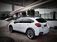Subaru XV hatchback - i want this car OMG and in pearl colour