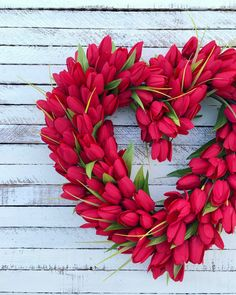 Red Valentine's Day tulip heart wreath. This is the perfect addition to your home for Valentine's Day! day flowers Red Valentine's Day Tulip Heart Wreath Valentines Flowers, Valentine Day Wreaths, Valentines Day Decorations, Valentine Day Crafts, Valentine Ideas, Valentine Flower Arrangements, Printable Valentine, Homemade Valentines, Valentine Box