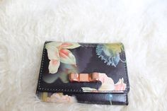 what's in your bag? floral wallet - Paisley + Sparrow