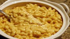 Recipes for Macarioni and Cheese: Great for kids and adults alike, a good macaroni and cheese recipe is great any time of the year. Try Instructables' best mac 'n' cheese recipes and tell us what you think! Crock Pot Recipes, Pasta Recipes, Cooking Recipes, Oven Recipes, Cheese Recipes, Recipies, Creamy Macaroni And Cheese, Easy Mac And Cheese, Making Mac And Cheese