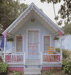 The most precious little cottage!  (I am going to make leilani a play house like this on Mom and Dad's Property!!!)