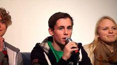 Tinius, Daniel og Pernille forteller om hvordan det er å gå på Lambertseter videregående skole. Fra Åpen dag 2014.