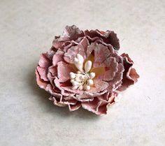 http://zuziucha.blogspot.is/2012/06/papierowe-kwiaty-tutorial.html