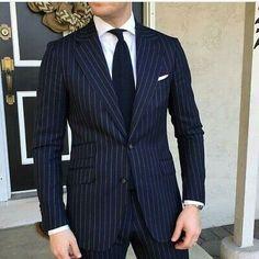 Blue and white pinstripe suit Navy Blue Striped Suit, Blue Pinstripe Suit, Blue Stripes, Mens Fashion Suits, Mens Suits, Male Fashion, Fashion Women, Terno Slim Fit, Groom Tuxedo Wedding