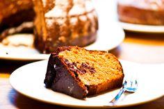 Kuchen backen ist immer eine schöne Sache. Besonders dann, wenn man damit nicht nur sich selbst, sondern auch jemand anderen, den man sehr gern hat, verwöhnen kann. Mir ist aufgefallen, dass es etwas aus der Mode gekommen ist, seine Lieben und Freunde zum Kuchenessen einzuladen. Vieles findet…