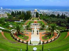love this garden Bahái Garden @ Haifa, Israel..just visited there June 10, 2016