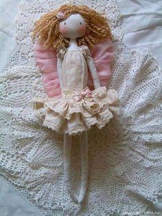 Artesanatos com Moldes: menina romântica Plush Dolls, Doll Toys, Dolls Dolls, Rag Dolls, Vintage Rag Doll, Vintage Lace, Vintage Style, Mini E, Sewing To Sell