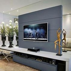 Home theaters are getting to be extremely popular among American homes. Basic knowledge of home theater system and its basic components may be best for peop Home Living Room, Living Room Decor, Living Room Tv Unit Designs, Muebles Living, Home Theater Rooms, Home Decor Furniture, House Design, Interior Design, Organiser