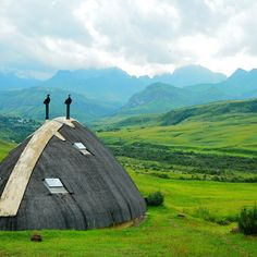 Didima in Drakensberg, South Africa The Beautiful Country, Beautiful Places, South Afrika, Dear World, Rest Of The World, Africa Travel, Where To Go, Travel Inspiration, Places To Visit