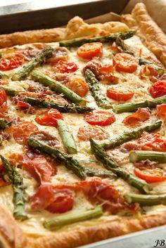 Carolines blog: Plaattaart met asperges, prosciutto en tomaten