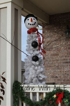 """Decorating the front porch for Christmas~Kathe With An E - """"Dat be Nice"""" link party #1"""