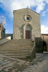 La #chiesa di San #Francesco a #Cortona, come la basilica di San Francesco ad #Assisi fu costruita da #Frate #Elia nel #1247 - #Arezzo #Tuscany #Toscana #Italy